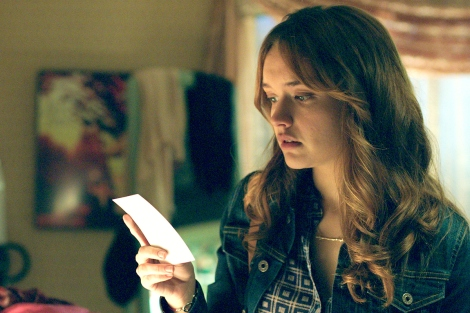 "Olivia Cooke in ""Ouija"" © Universal Pictures International"